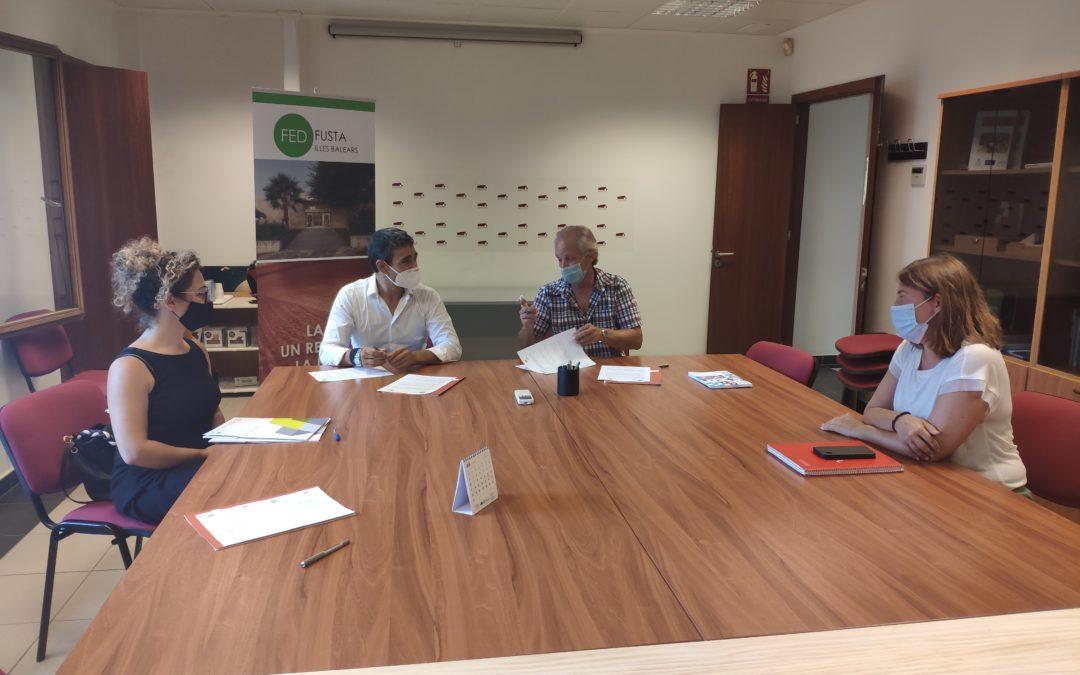 Firmado acuerdo de colaboración con Fundació Deixalles y  la Fed. Fusta Illes Balears