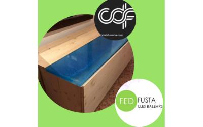 Ca'n Dols Fusteria diseña y fabrica zapatero con madera y resina epóxica