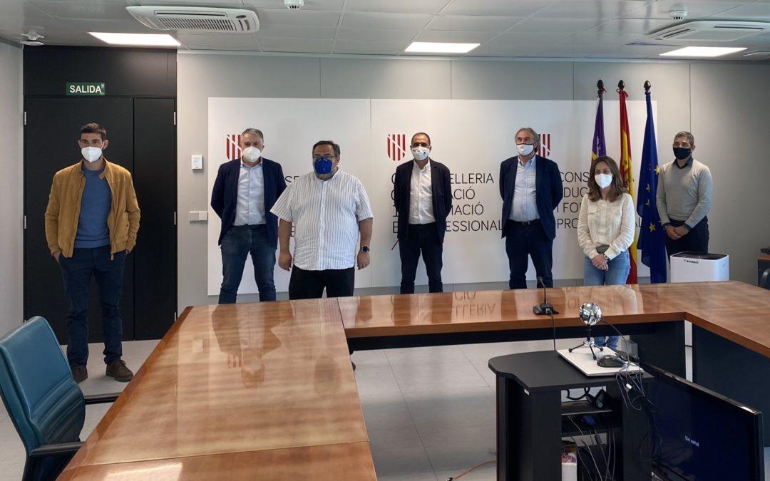 El conseller March presenta a la Fed. Fusta Illes Balears / CETEBAL i a la comunitat educativa el nou cicle d'FP de grau superior de Disseny i moblament